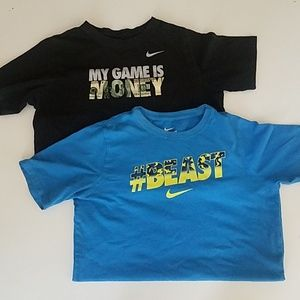 The Nike Tee Athletic Cut Boy's XL -set of 2